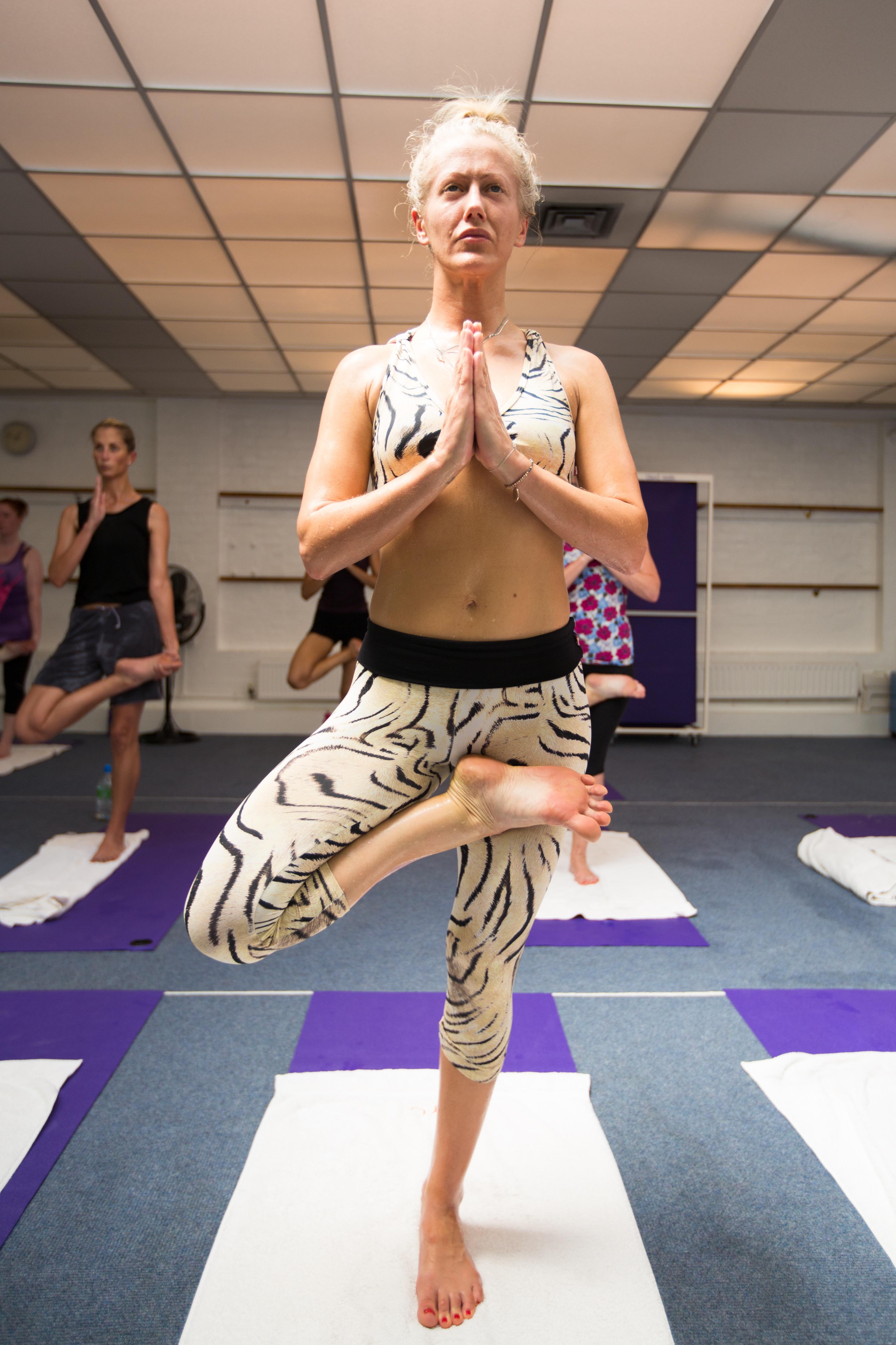bikram-yoga_17-8-2012_144