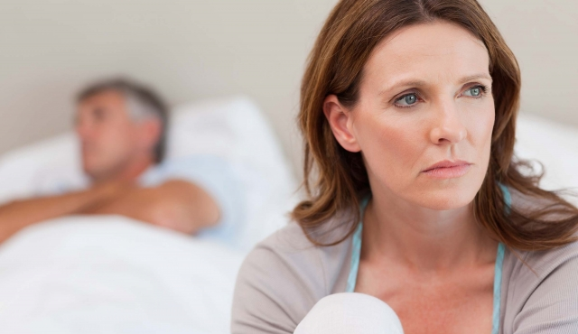 01-basically-personal-questions-menopause-wavebreakmedia